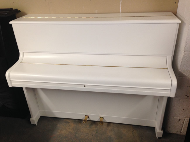 White Traditional pianos