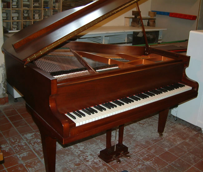 John broadwood english 4ft 6in fiddleback mahogany baby for Baby grand piano height