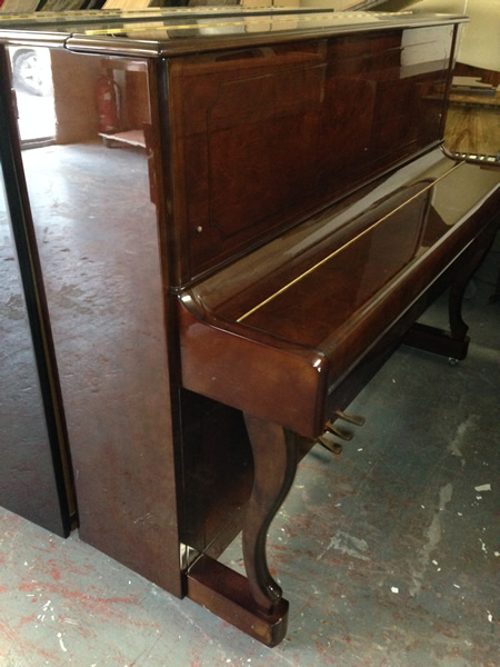 Gratiae upright pianos.
