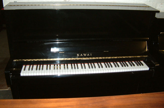 Kawai Traditional Style Black Piano