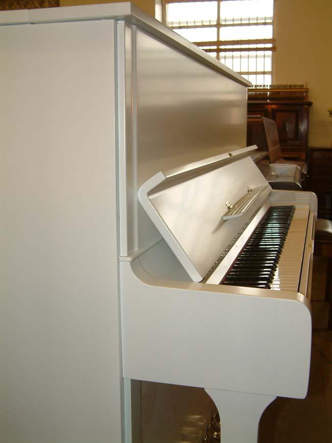 White Yamaha Pianos U3 Professional Upright Piano In A
