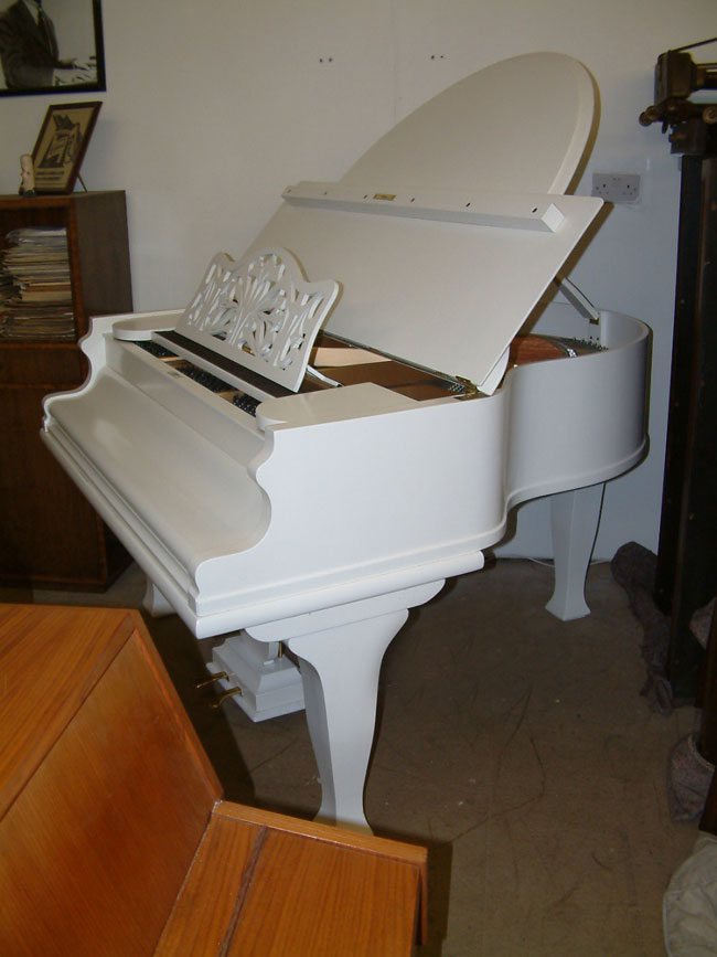 Re-polished-Butterfly Style Baby Grand Piano