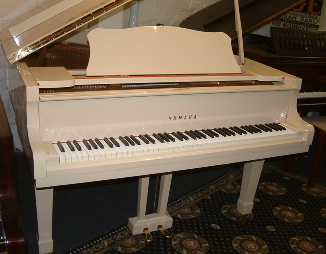Yamaha G2 5ft 7in Grand Piano In A High Gloss Cream Finish